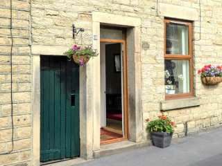 3 bedroom Cottage for rent in Glossop