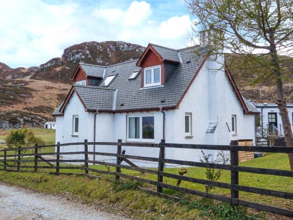 4 bedroom Cottage for rent in Glenuig