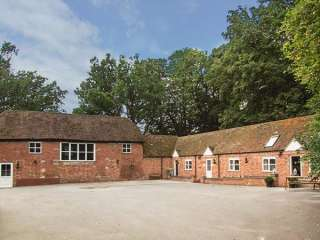 1 bedroom Cottage for rent in Warwick