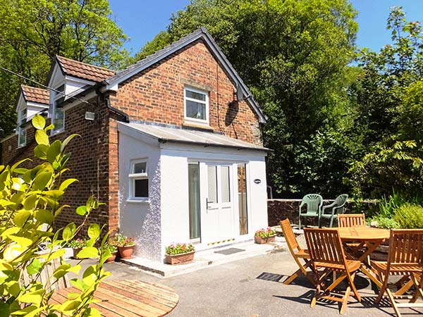 3 bedroom Cottage for rent in Llanwinio