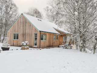 2 bedroom Cottage for rent in Roy Bridge