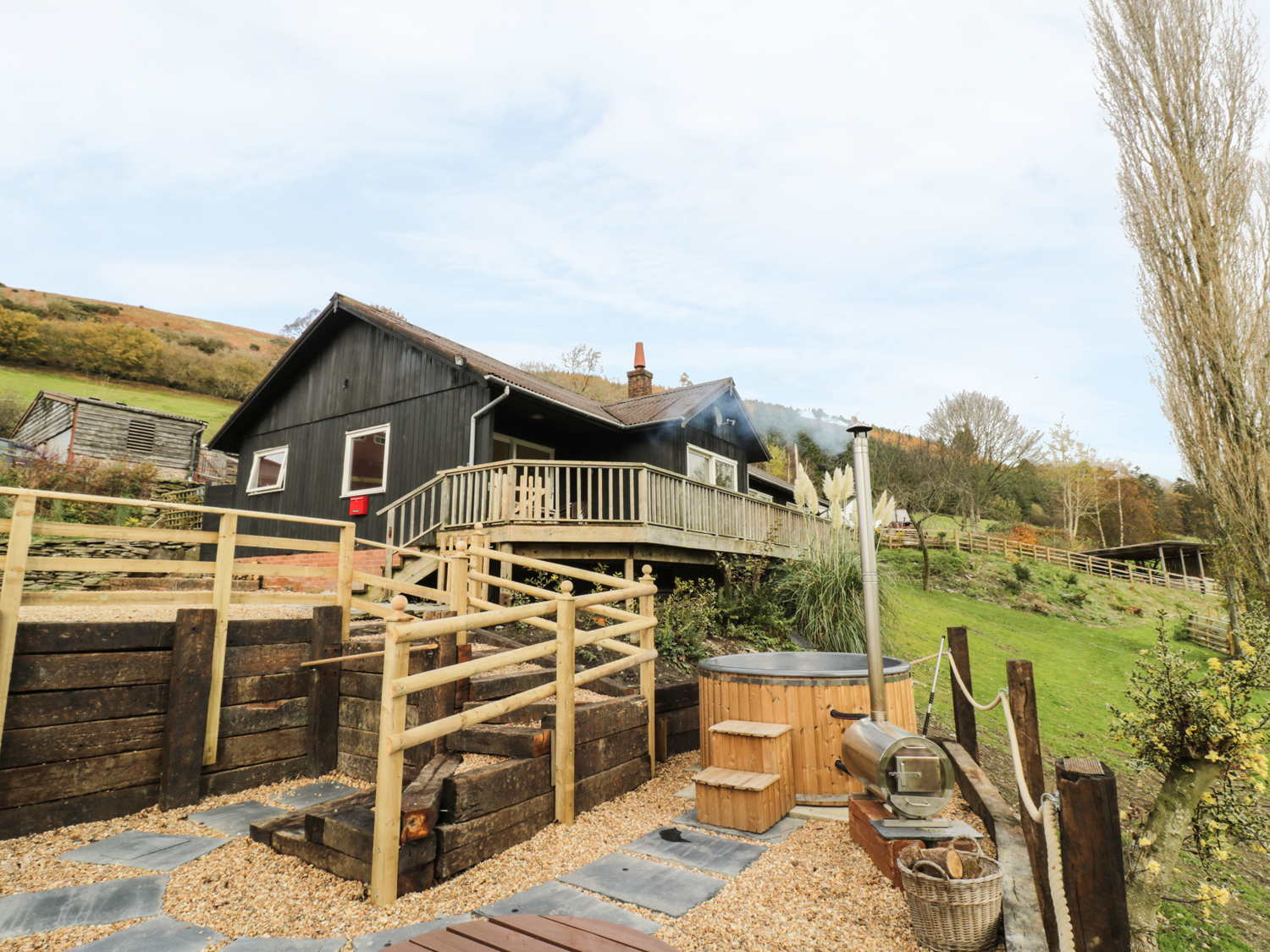 4 bedroom Cottage for rent in Knighton