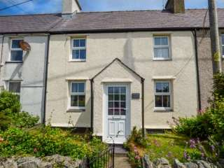 2 bedroom Cottage for rent in Newborough