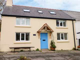 2 bedroom Cottage for rent in Narberth