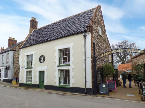 4 bedroom Cottage for rent in Holt