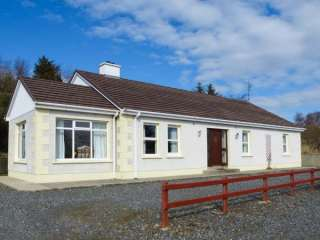 3 bedroom Cottage for rent in Creeslough