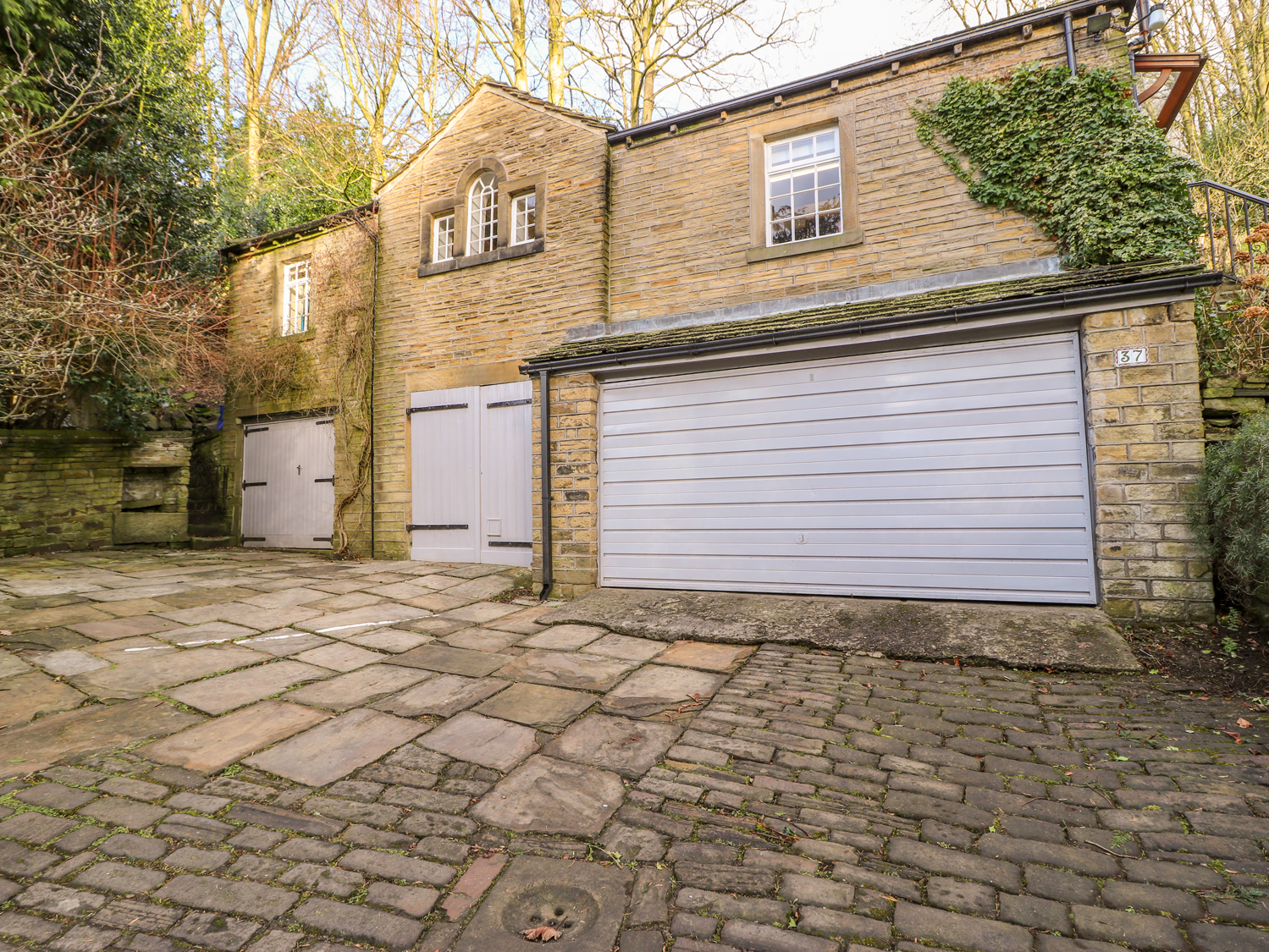 1 bedroom Cottage for rent in Holmfirth