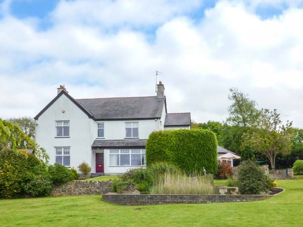 5 bedroom Cottage for rent in Llangefni