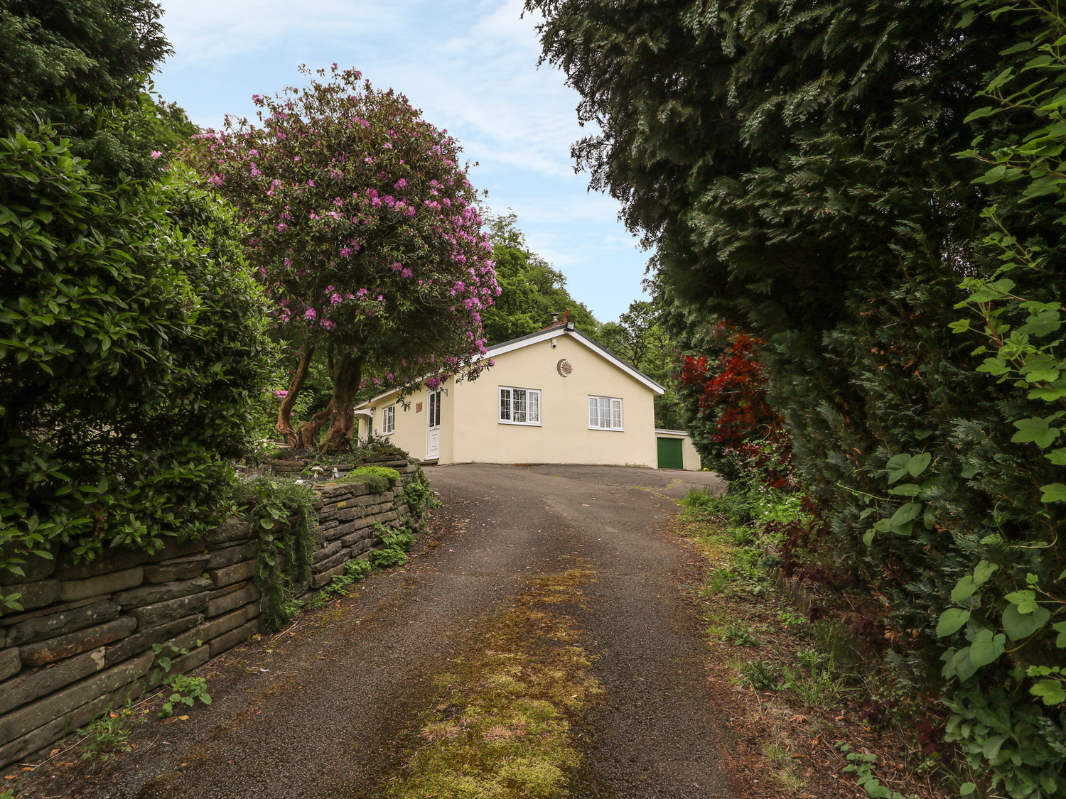1 bedroom Cottage for rent in Aberdare