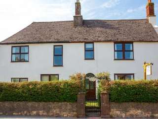 6 bedroom Cottage for rent in Taunton