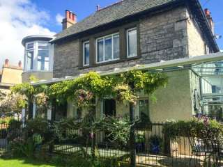 5 bedroom Cottage for rent in Barrows Green