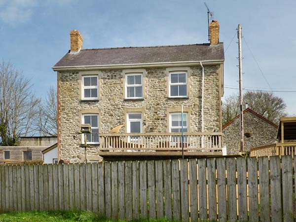 4 bedroom Cottage for rent in Llandysul