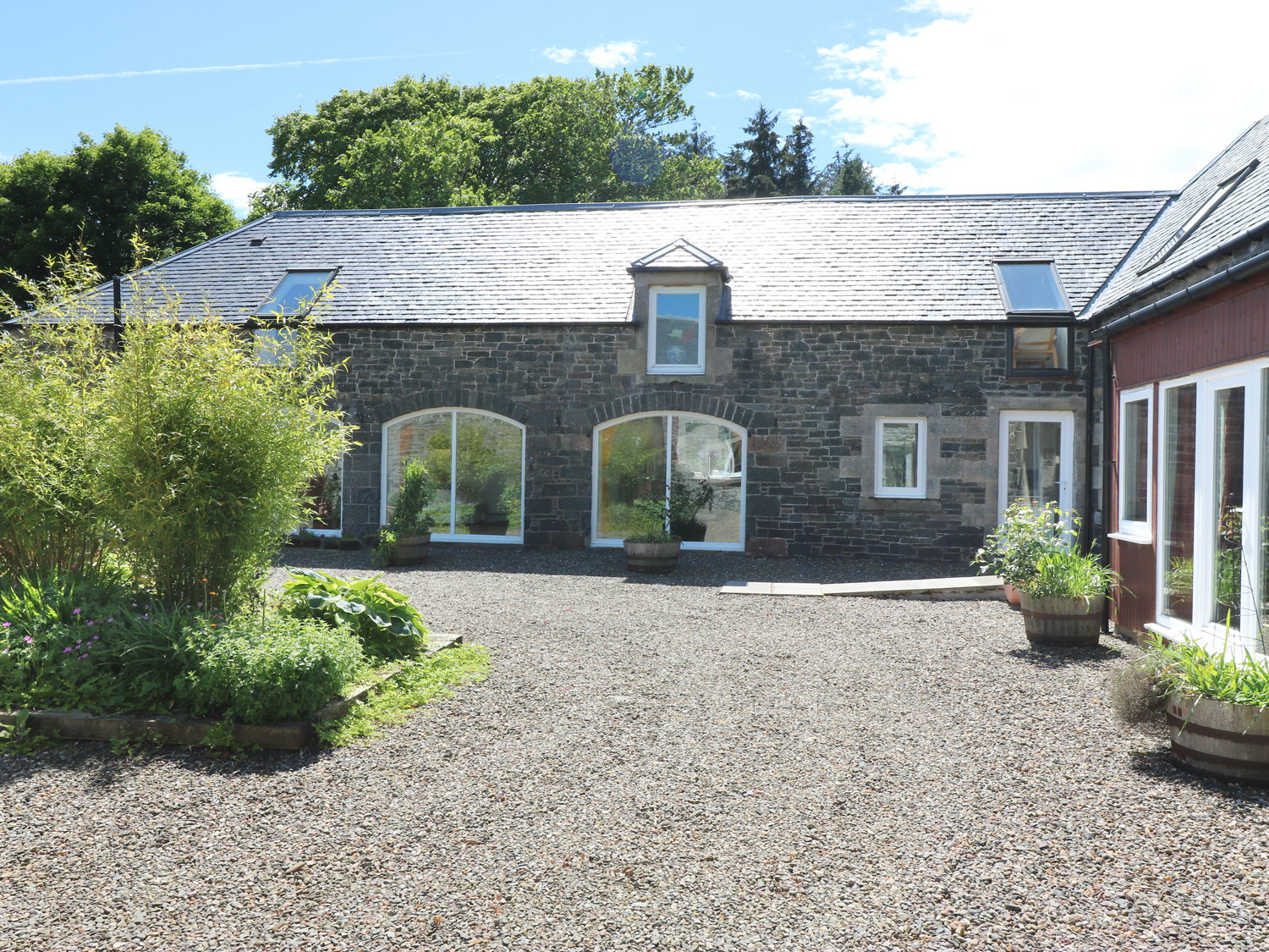6 bedroom Cottage for rent in Yarrow Valley