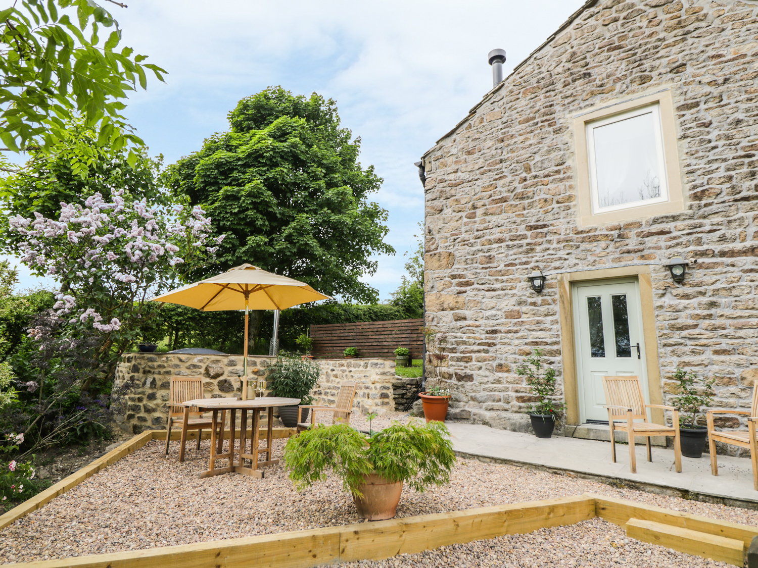 1 bedroom Cottage for rent in Colne