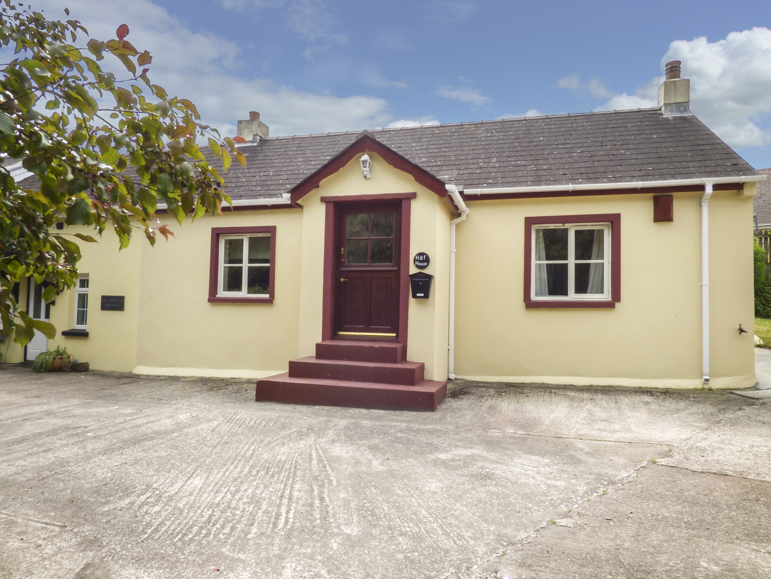 3 bedroom Cottage for rent in St Ishmaels
