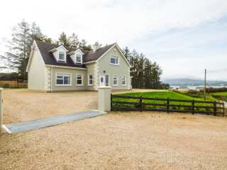 4 bedroom Cottage for rent in Kerrykeel