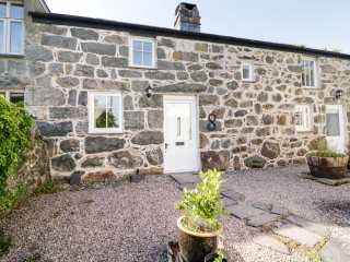 2 bedroom Cottage for rent in Criccieth