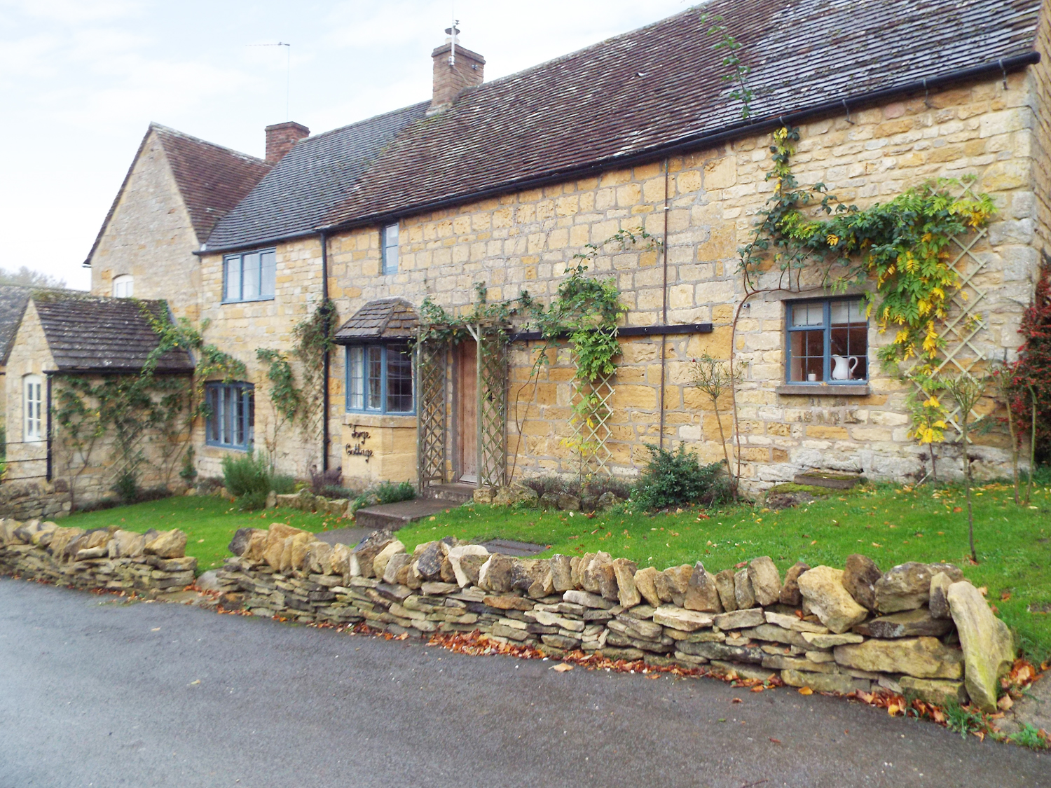 3 bedroom Cottage for rent in Moreton-in-Marsh