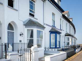 3 bedroom Cottage for rent in Appledore