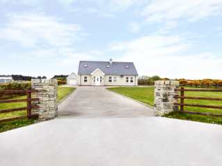 6 bedroom Cottage for rent in Dungloe