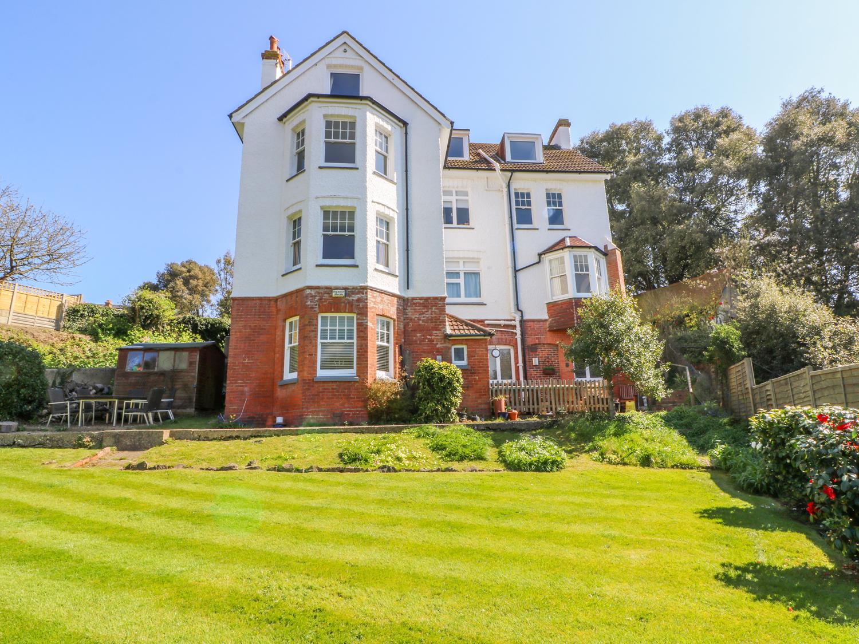 2 bedroom Cottage for rent in Folkestone