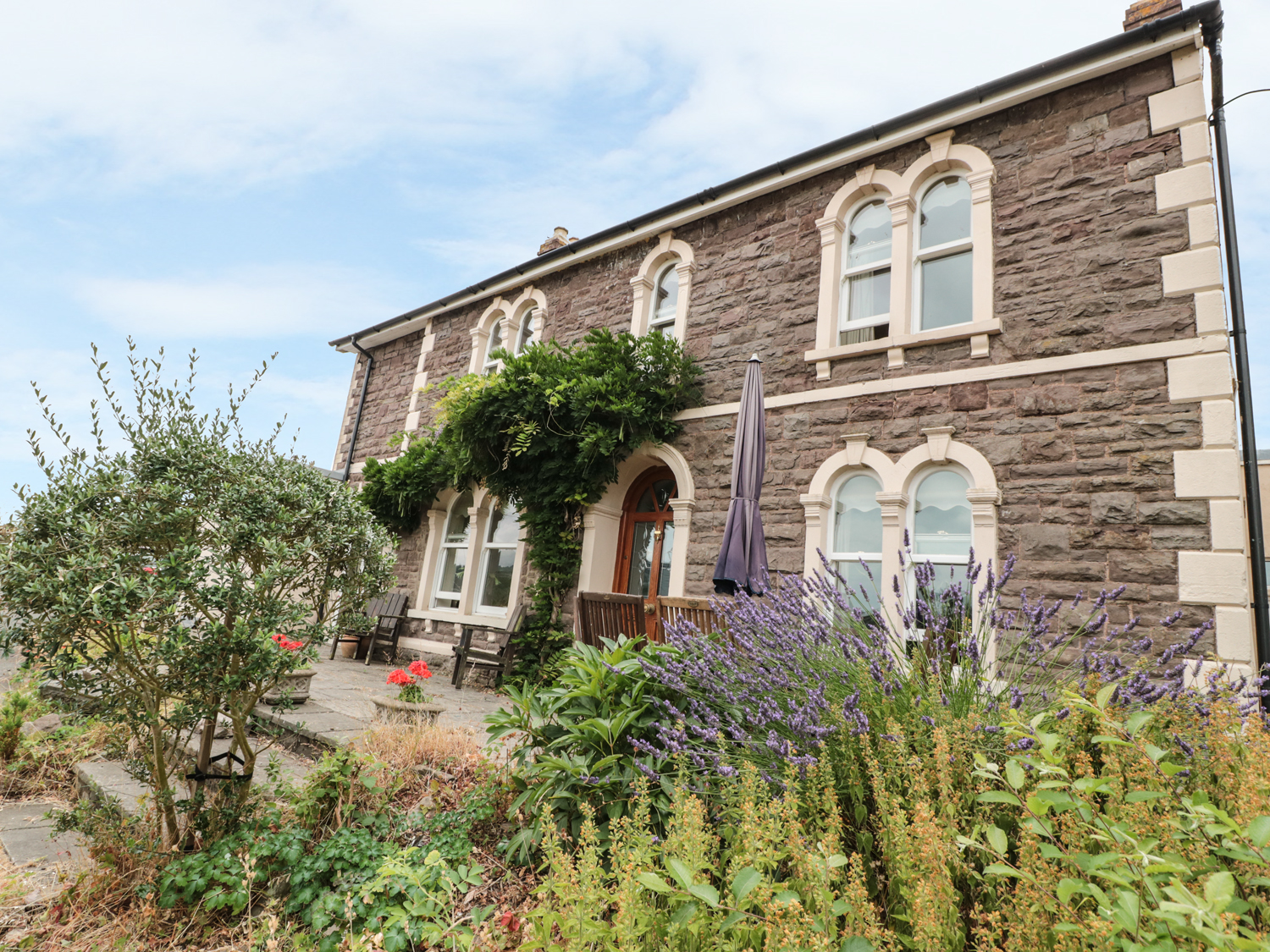 5 bedroom Cottage for rent in Abergavenny