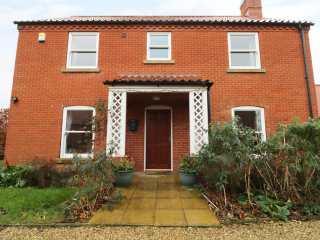 4 bedroom Cottage for rent in Mablethorpe