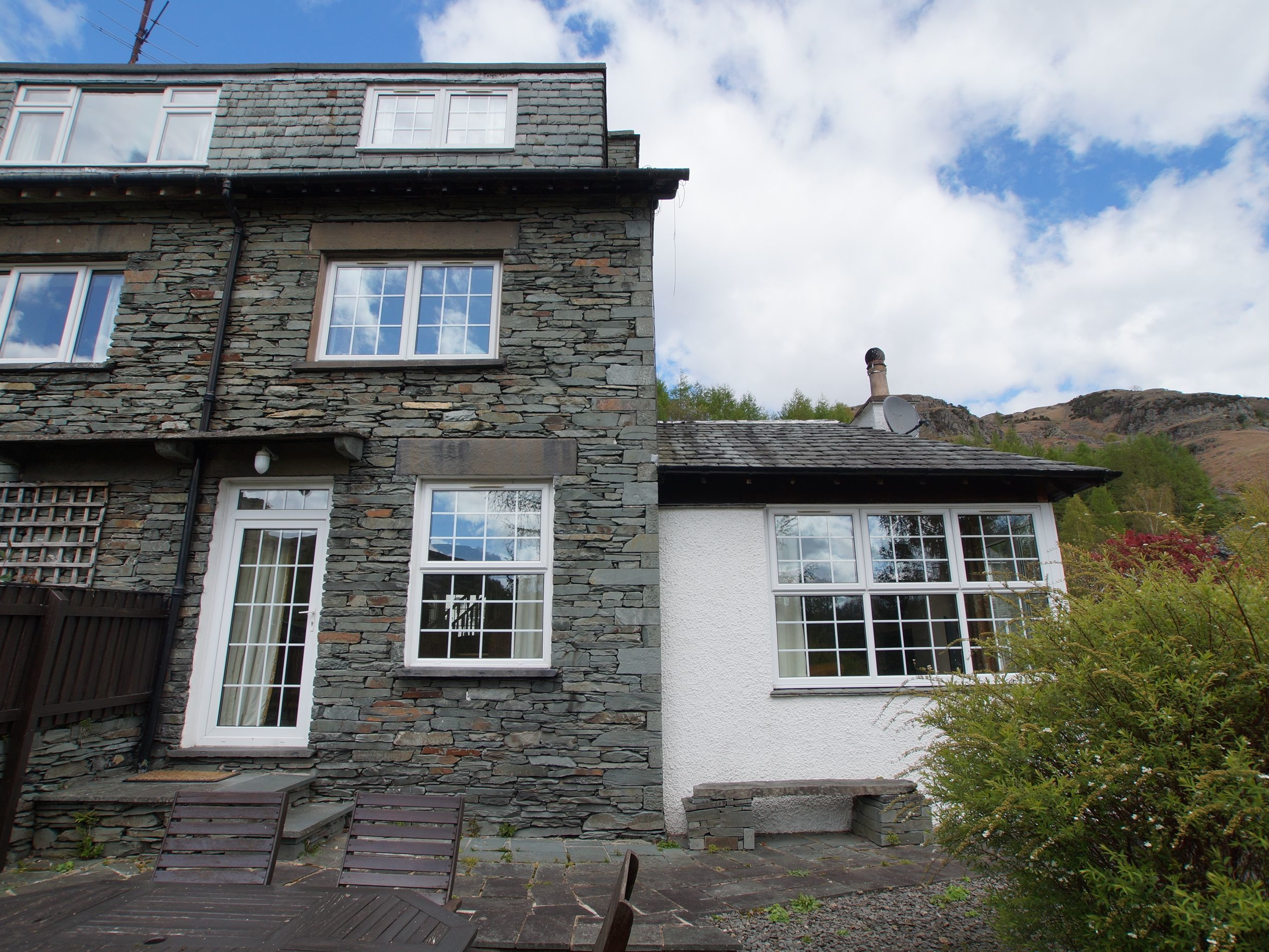 3 bedroom Cottage for rent in Chapel Stile