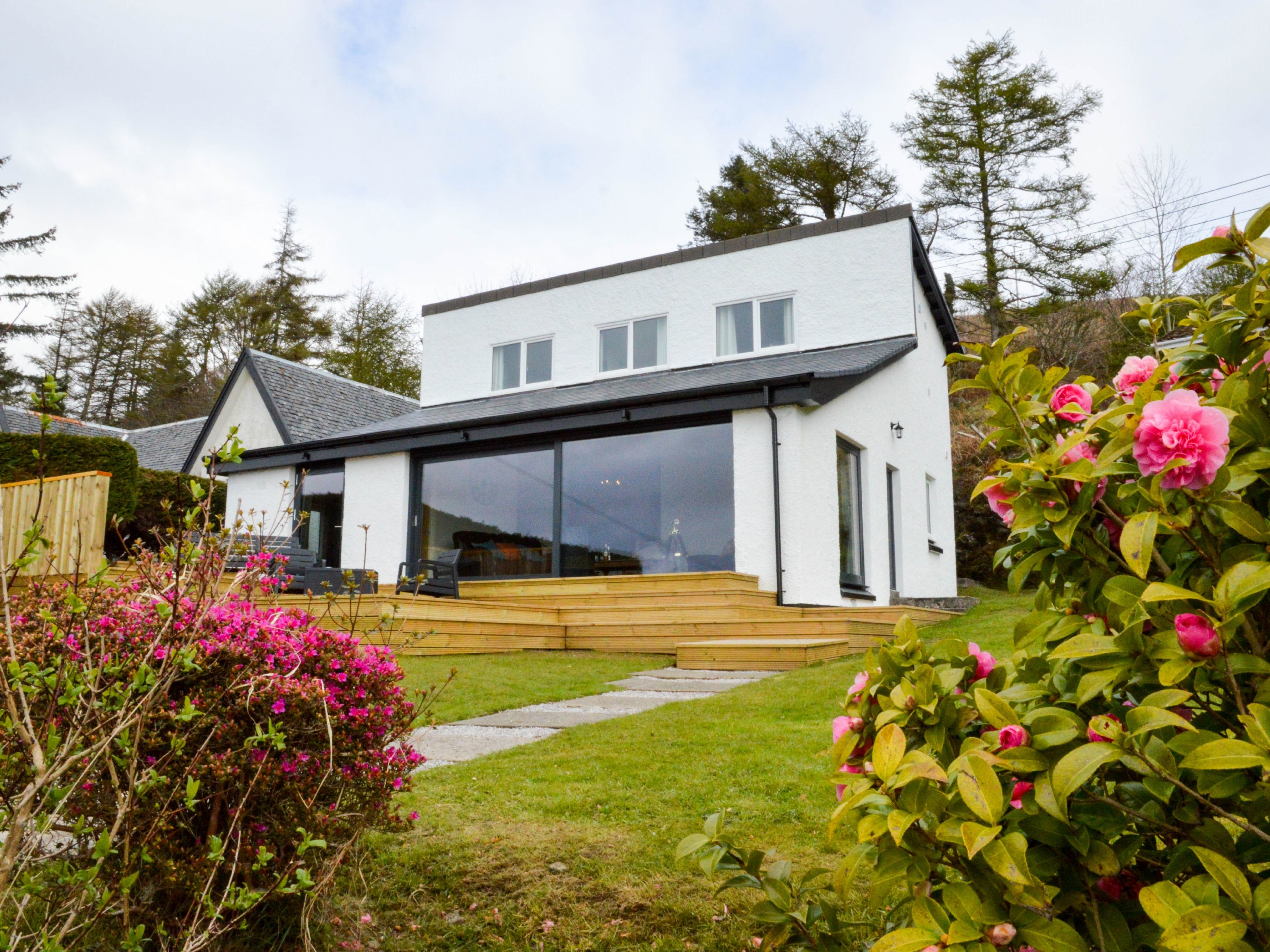 4 bedroom Cottage for rent in Oban