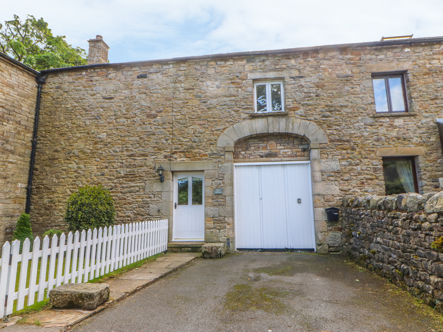 4 bedroom Cottage for rent in Brough