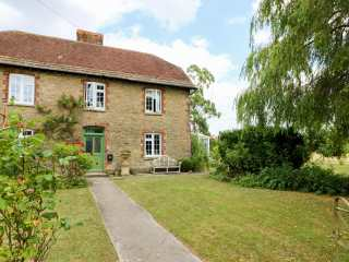 4 bedroom Cottage for rent in Wincanton