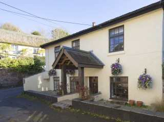 3 bedroom Cottage for rent in Teignmouth