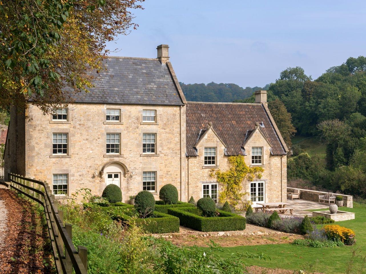 8 bedroom Cottage for rent in Bath