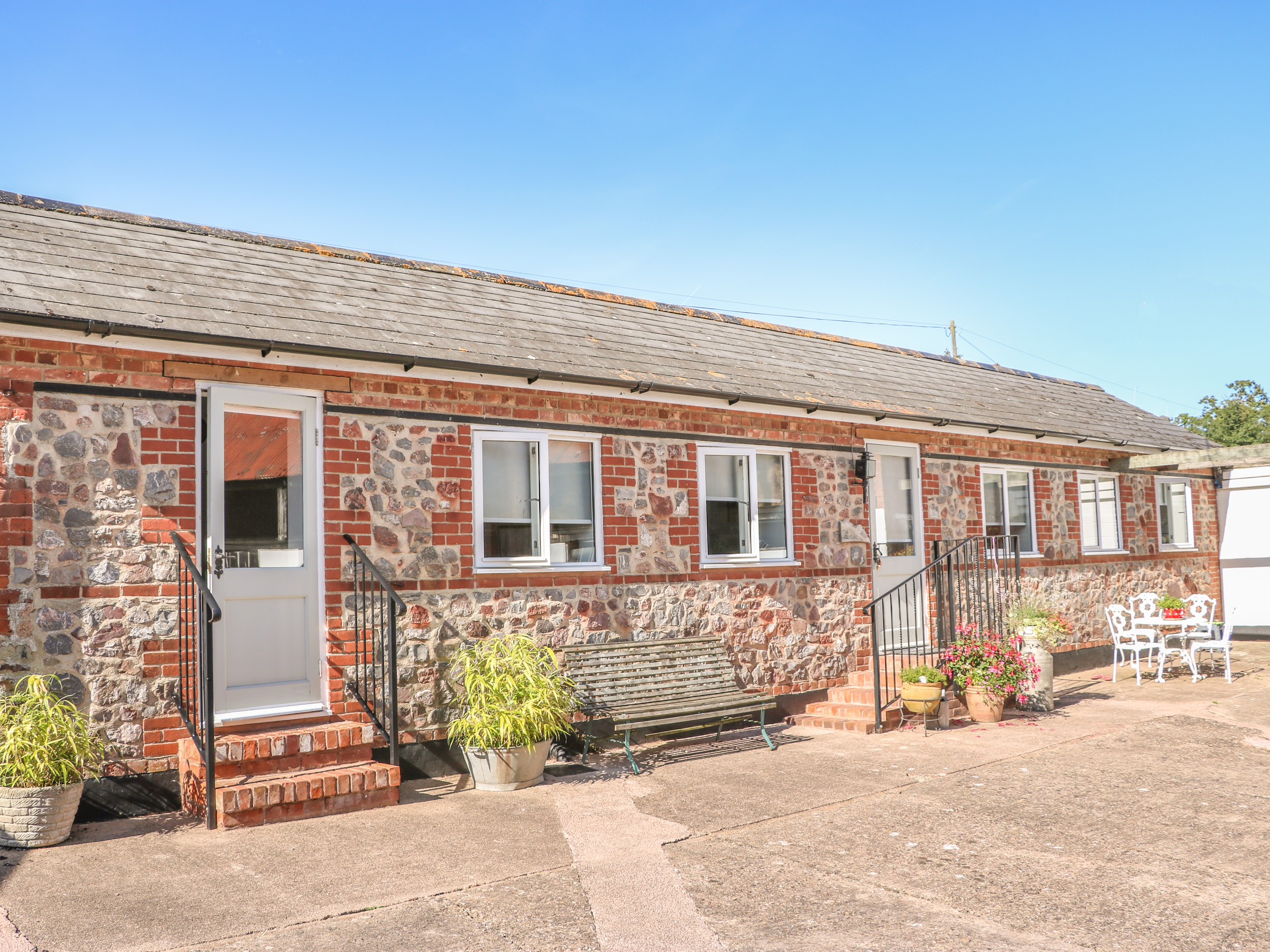 2 bedroom Cottage for rent in Cullompton
