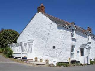 3 bedroom Cottage for rent in Trelights