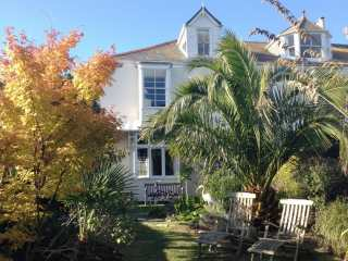 4 bedroom Cottage for rent in Falmouth