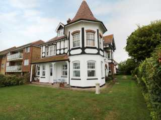 2 bedroom Cottage for rent in Frinton on Sea