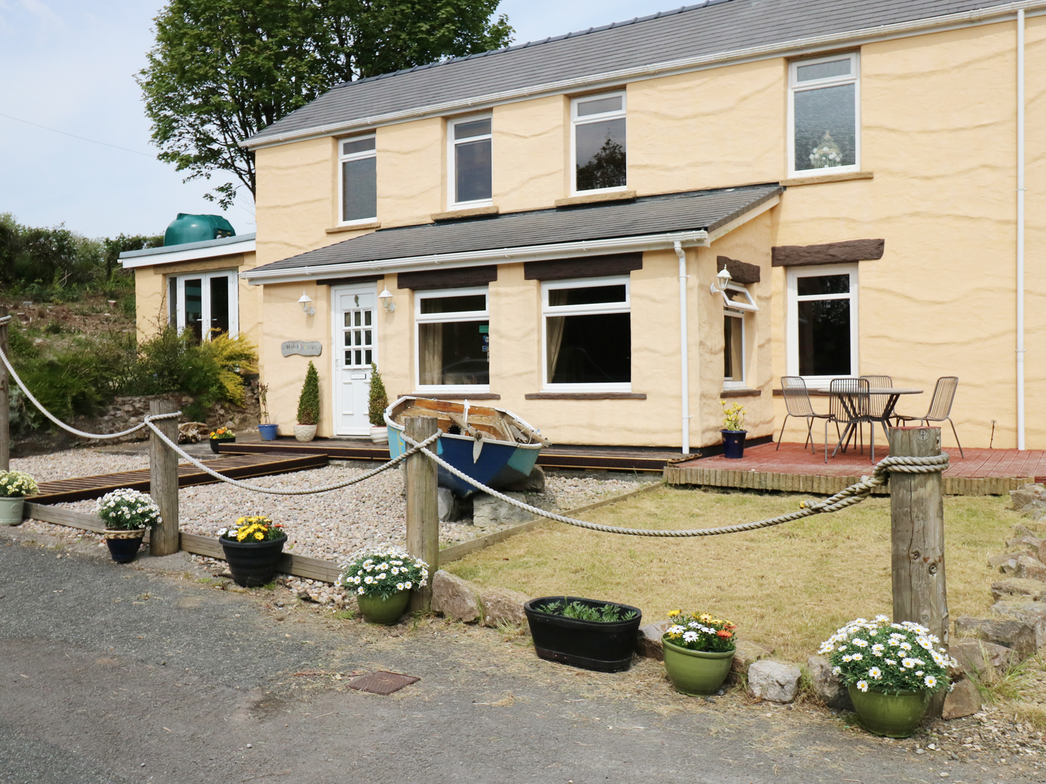 4 bedroom Cottage for rent in Tenby