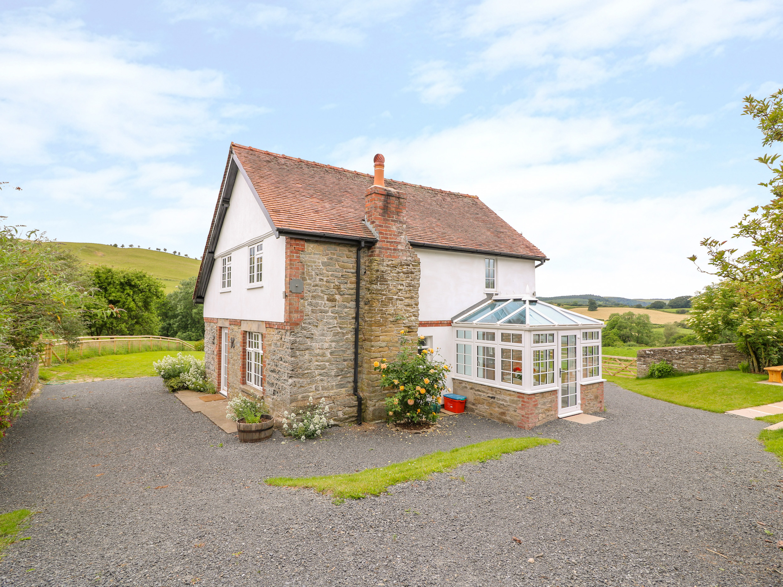 5 bedroom Cottage for rent in Knighton