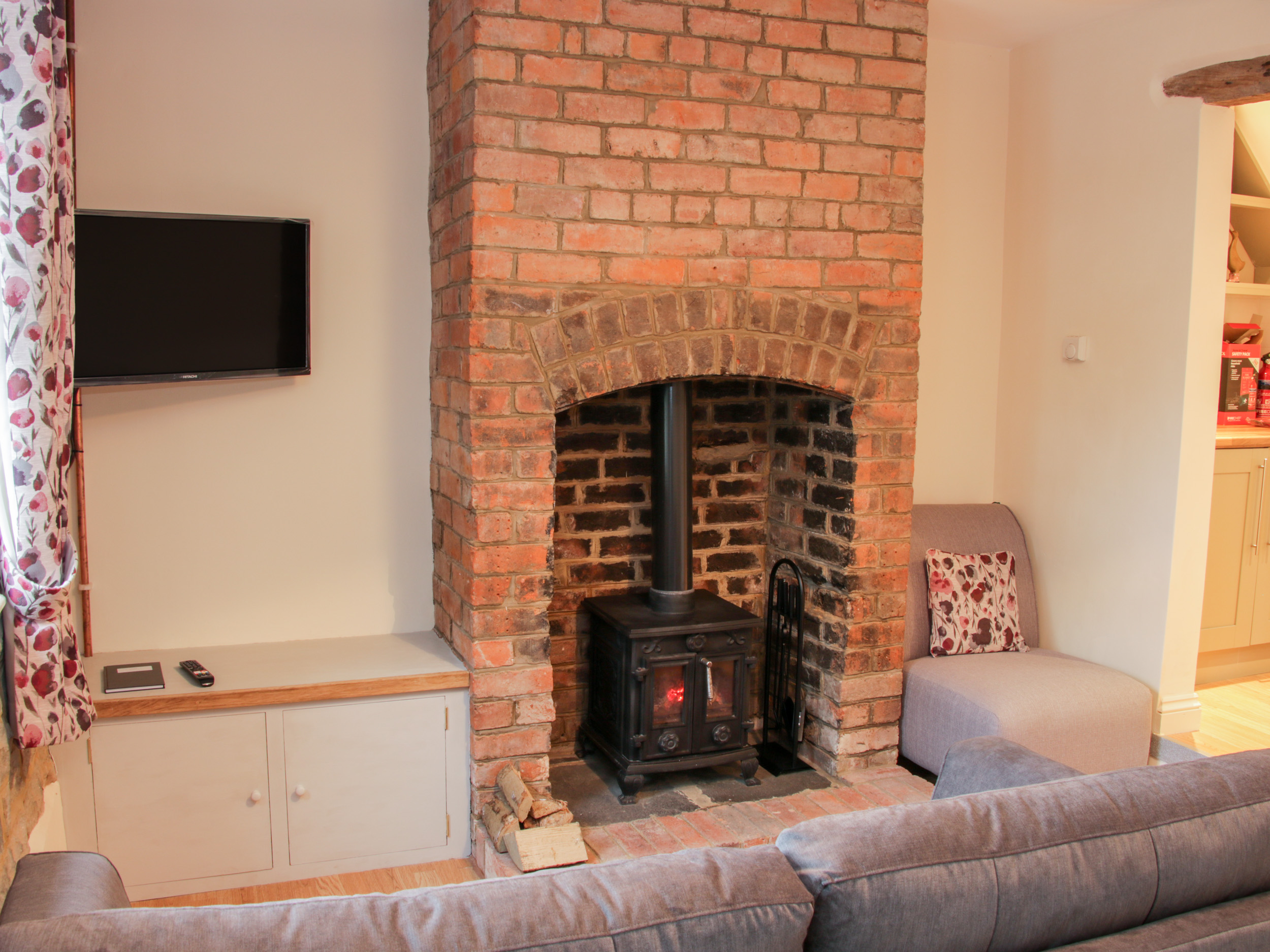 2 bedroom Cottage for rent in Knighton