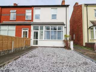 2 bedroom Cottage for rent in Southport