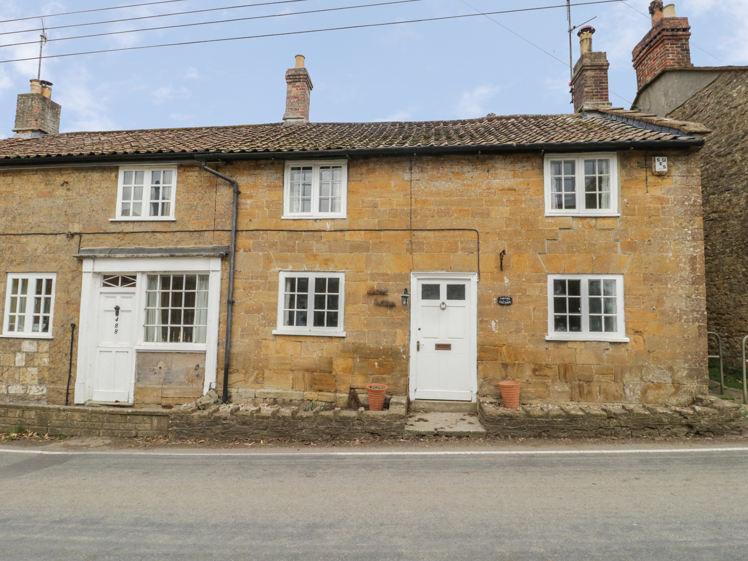 3 bedroom Cottage for rent in Crewkerne