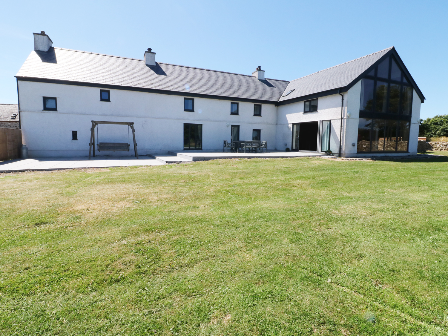 6 bedroom Cottage for rent in Llanerchymedd