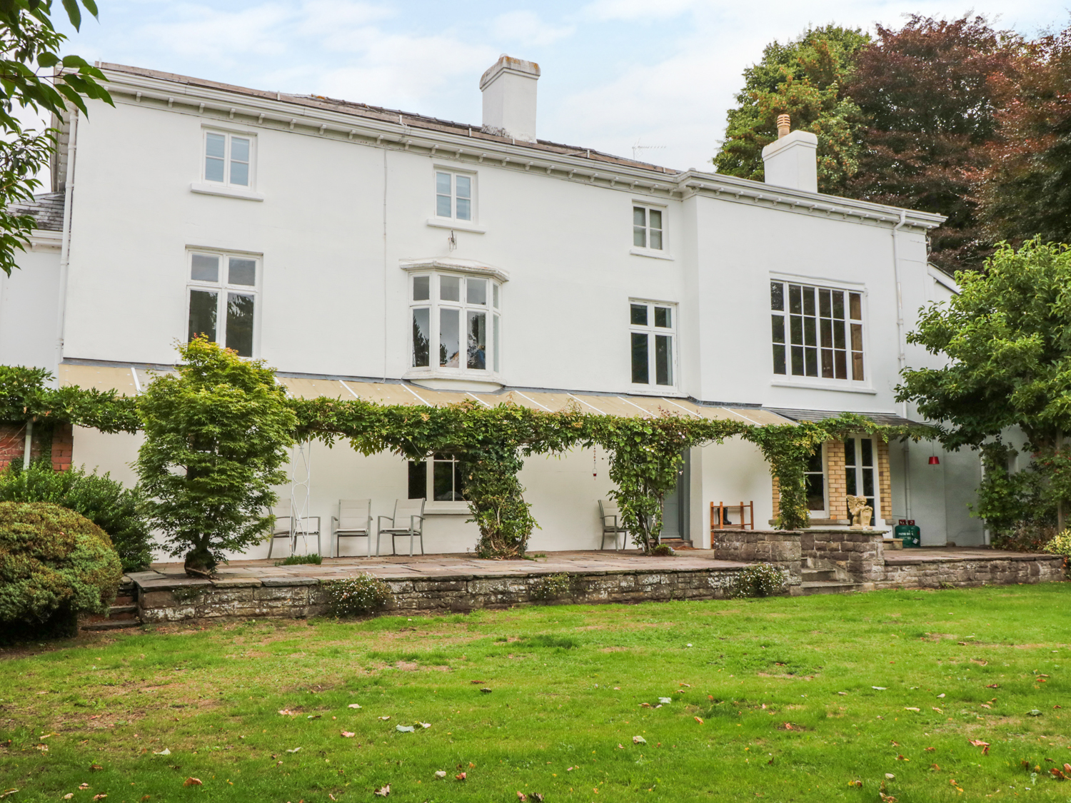 9 bedroom Cottage for rent in Abergavenny