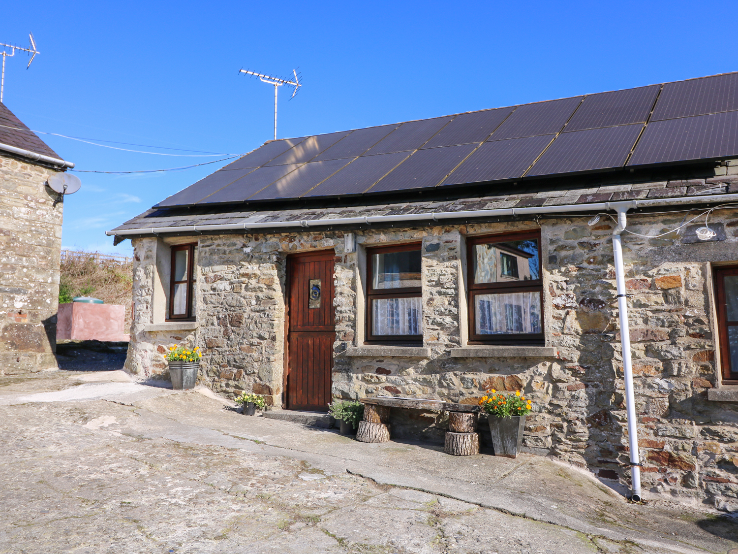 1 bedroom Cottage for rent in Llandysul