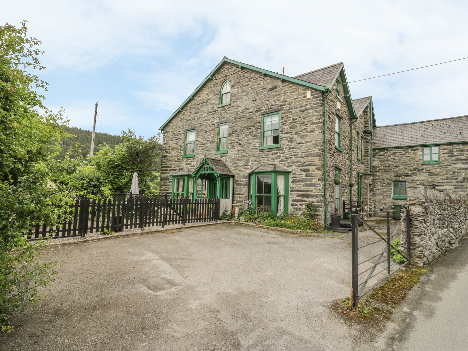 6 bedroom Cottage for rent in Ruthin