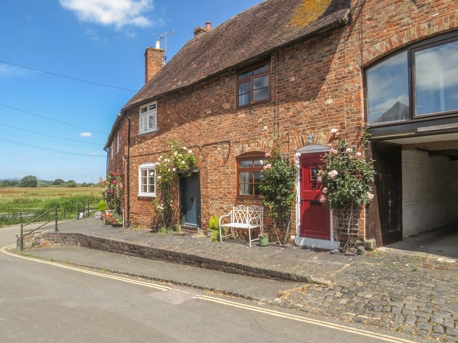 2 bedroom Cottage for rent in Tewkesbury