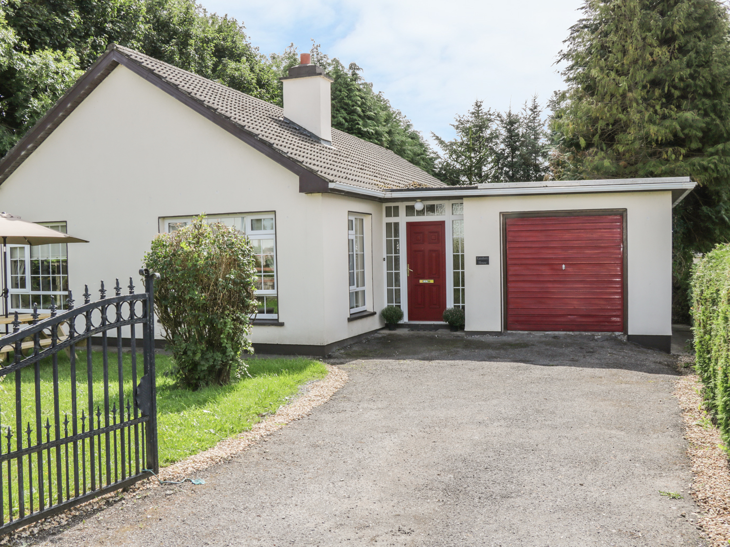 4 bedroom Cottage for rent in Dromahair