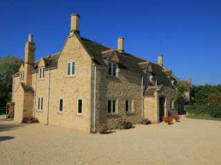 5 bedroom Cottage for rent in Bourton on the Water