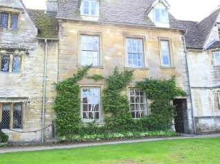 4 bedroom Cottage for rent in Burford